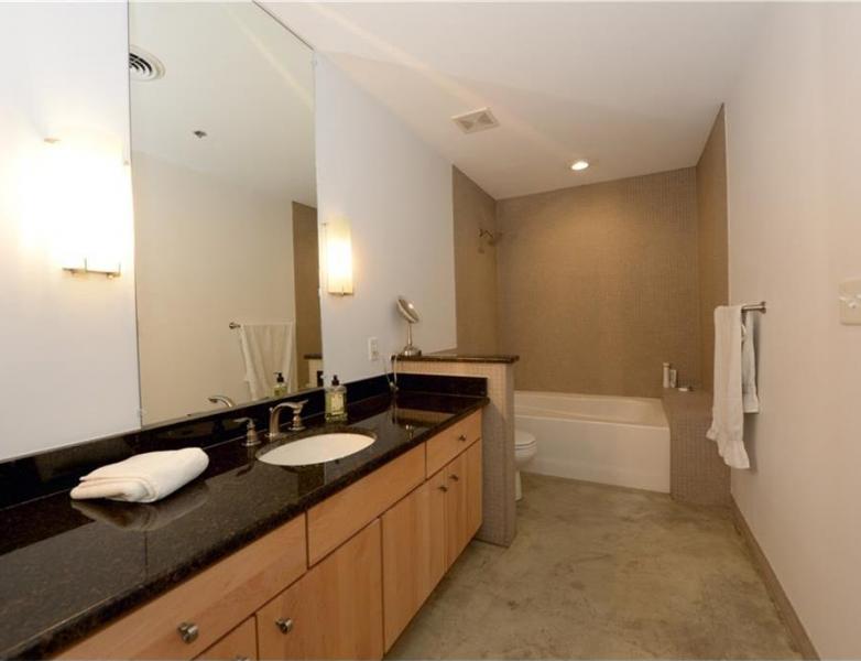804-bathroom